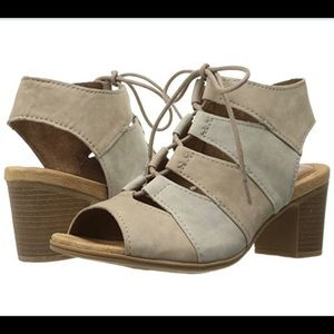 NWT Rockport Women's Hattie Lace up Heeled Sandal